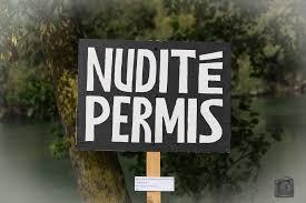 panneau disant nudité permis