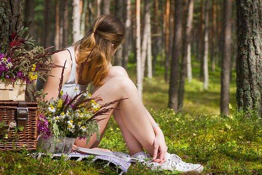 picnic of women hunder oak