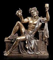 représentation du dieu assis de façon sexy  une coupe de vin et un pichet a la main.